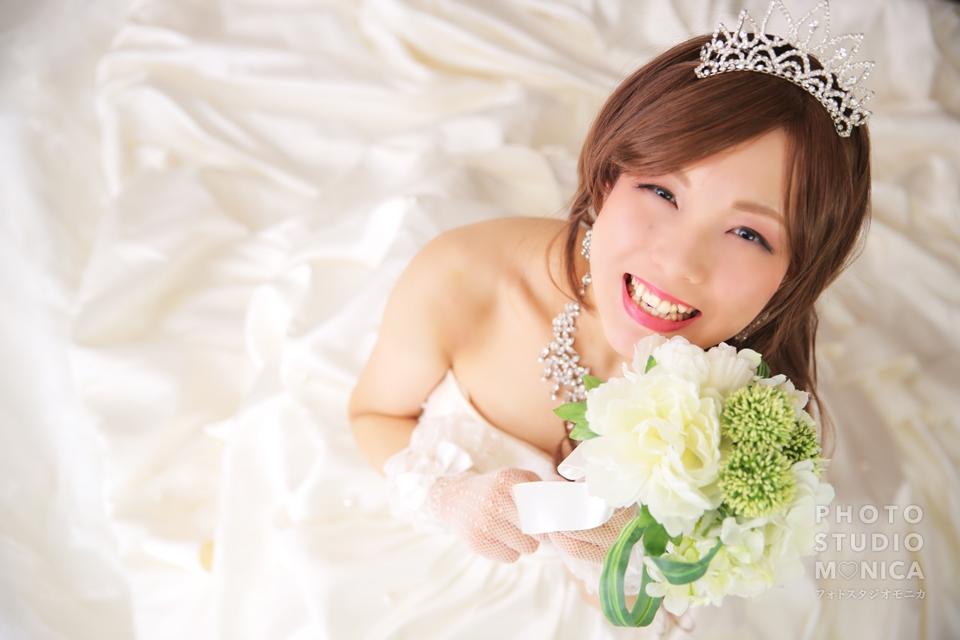 写真:ウェディングドレスでスタジオ撮影☆