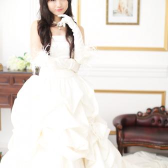 写真:ウェディングドレスで、スタジオ撮影♥︎