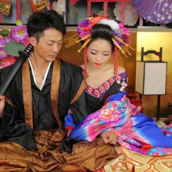 写真:硬派にしっとり古典風で美男美女のカップル花魁体験