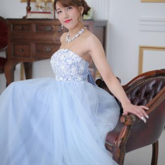 写真:ブルーのカラードレスでドレススタジオ撮影♥︎
