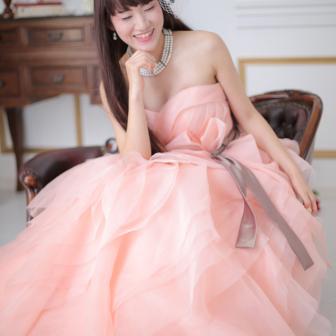 写真:ピンクのドレスでドレススタジオ撮影♥︎