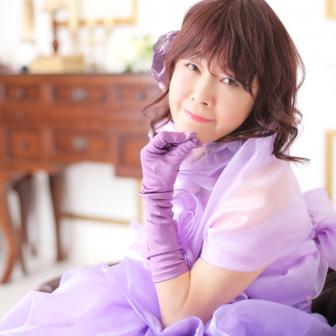 写真:紫のカラードレスで変身スタジオ撮影♪