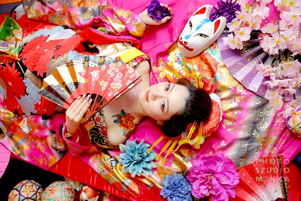 写真:煌びやか(*。・ω・。*)ゴールドとピンクの打ち掛け 古典風花魁