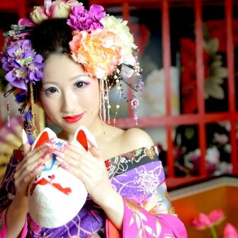写真:現代風花魁 ピンクと花飾りで少し甘カワイイ系(*´ω`*)