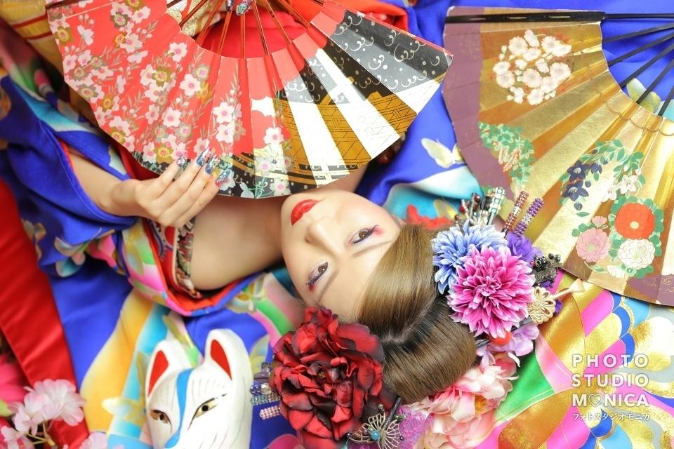 写真:【現代風花魁】赤と青で派手に!若々しさ溢れる華やか花魁✨