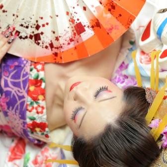 写真:【古典風花魁】チラッと覗く色っぽい視線に釘付け…