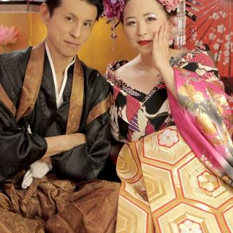 写真:息がピッタリの素敵なご夫婦で花魁&羽織の変身体験