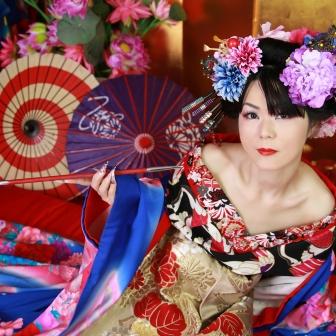 写真:現代風花魁体験と紫のドレスでお姫様変身撮影