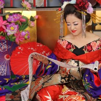 写真:ご紹介でお越しの簪と赤い着物が美しい古典風花魁様