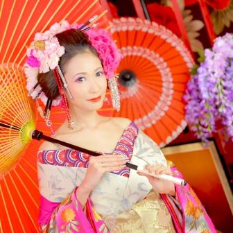 写真:白とピンクの鮮やか可愛い雰囲気で明るめ現代風花魁\(´ω` )/