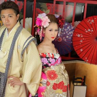 写真:キリリとクールな美男美女のカップル花魁体験