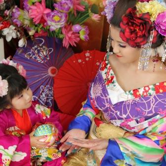 写真:母娘花魁体験!手まりで遊んで親子で仲良し撮影
