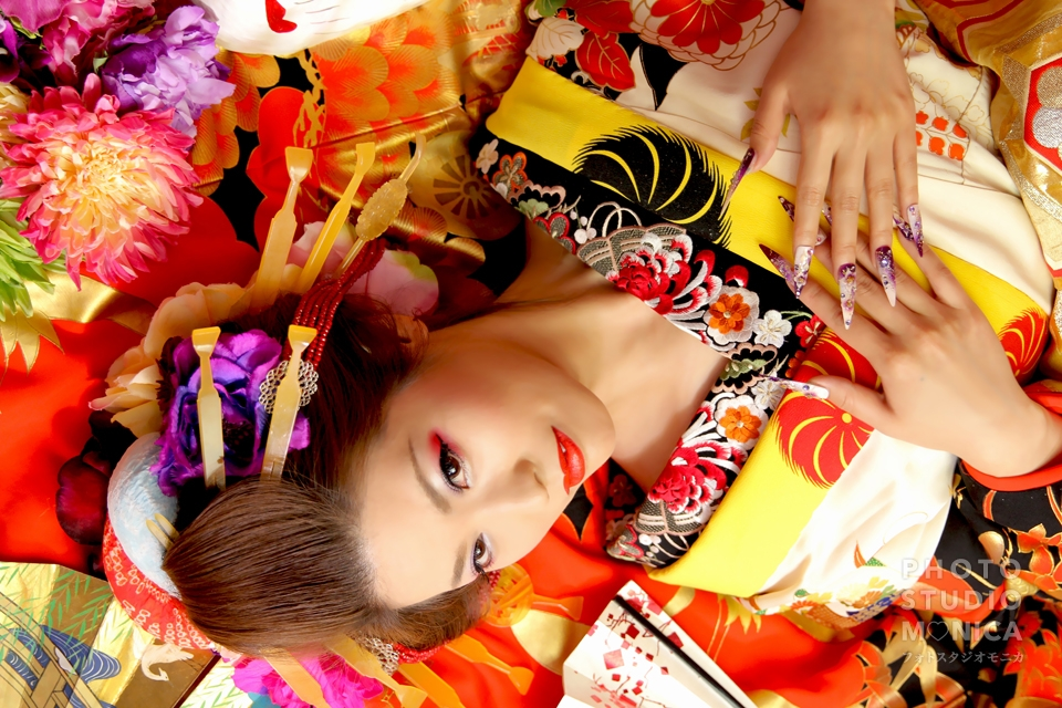 写真:情熱的に赤黒笹の打ち掛けに黄色を合わせてインパクトアップ!ヽ( ・∀・)ノ