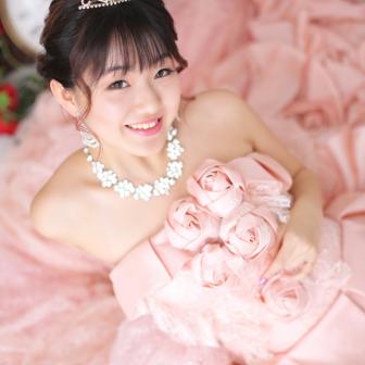 写真:ピンクのカラードレスでスタジオドレス撮影♥︎