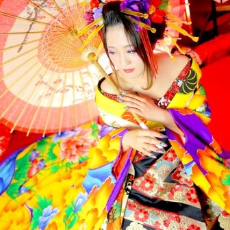 写真:【古典風花魁】相性の良い黄色と紫の派手花魁⭐️
