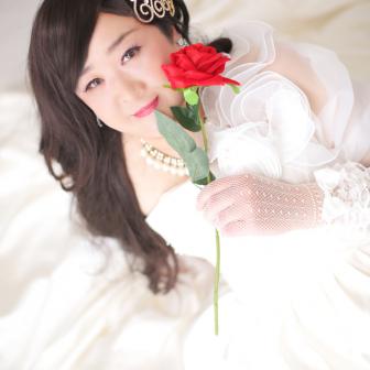 写真:ウェディングドレスでドレス変身撮影☆